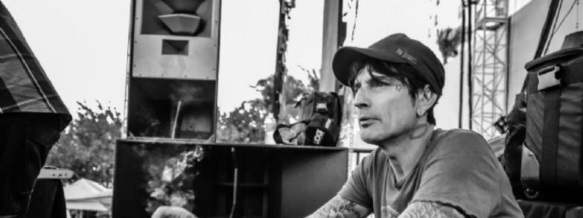 [Rock&Pop 11/17] Tommy Lee: Žít stále svůj rockový sen